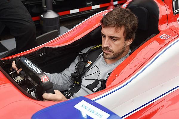 IndyCar Fotostrecke Bildergalerie: 1. Besuch von Fernando Alonso bei IndyCar