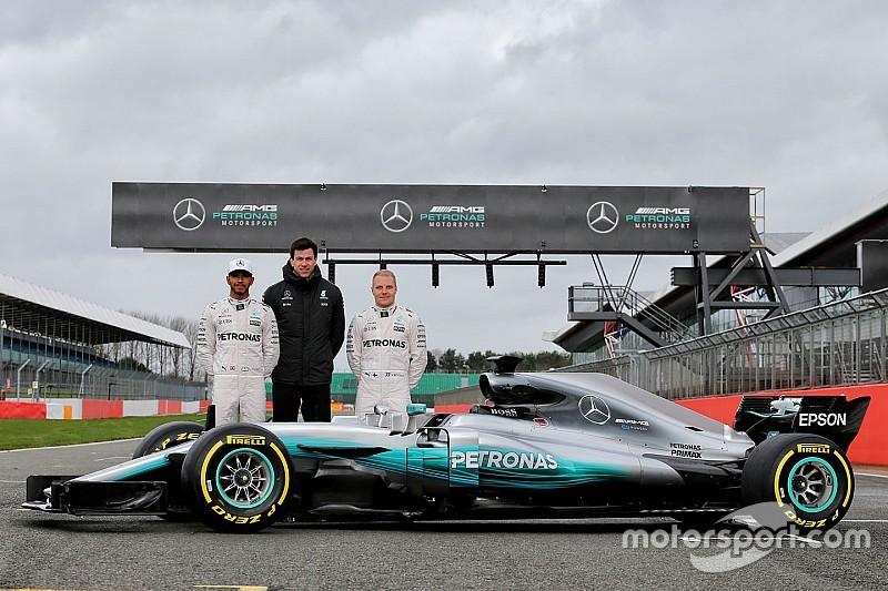 Mercedes presentó oficialmente su W08 para 2017