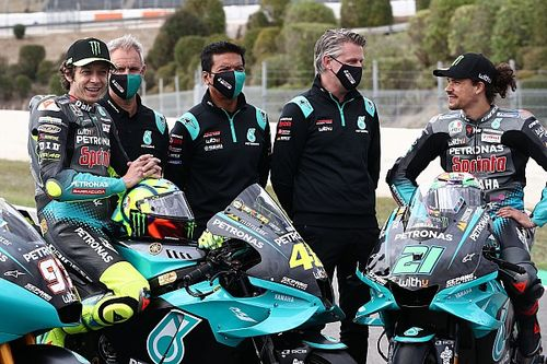 """Rossi: """"Si Morbidelli cambia de equipo se merece ir a uno oficial"""""""