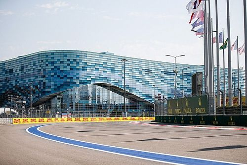 Russell looft Tecpro na enorme F2-crash in Sochi