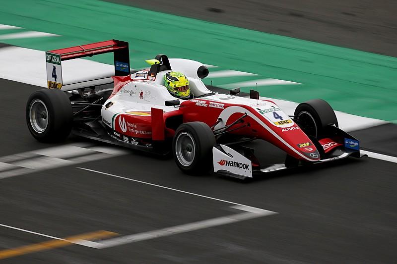 EK F3 Silverstone: Schumacher pakt zege in Race 2
