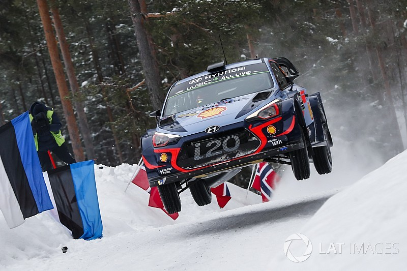 Sweden WRC: Neuville leads Hyundai 1-2-3 by 4.9s