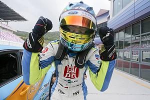 TCR Gara China: fantastica tripletta per Andy Yan a Ningbo