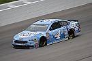 NASCAR Cup Kevin Harvick conquista una gran pole in Kansas