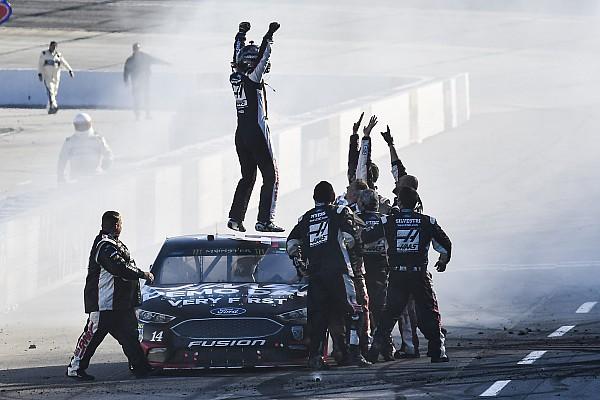 NASCAR Cup Bowyer quebra jejum de 190 provas em Martinsville