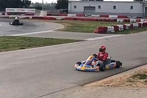 Ausflug auf vier Räder: Marc Marquez trainiert mit Go-Kart