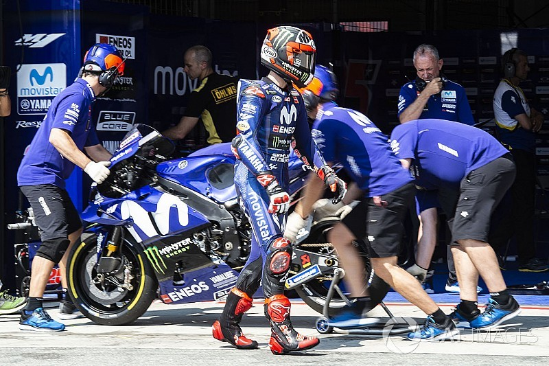 Виньялес снялся с тестов MotoGP из-за травмы