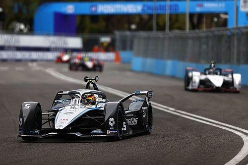 فورمولا إي: فاندورن يفوز أمام سيمز في سباق روما الثاني المليء بالحوادث