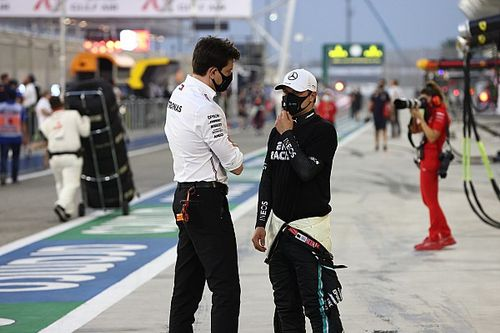 """Wolff: Mercedes won't play """"musical chairs"""" with its F1 drivers"""