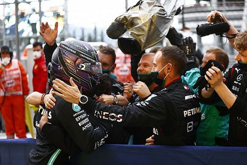 """Mercedes """"adamant"""" about pitting after Hamilton ignored first call"""