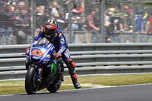 MotoGP Gara Valentino sbaglia all'ultimo giro e regala il GP di Francia a Vinales
