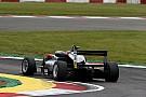 EUROF3 Gara 2: Hughes resiste a Norris e centra il successo al Nurburgring