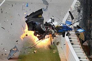 Así vive un fotógrafo un accidente de infarto como el de Dixon en Indy