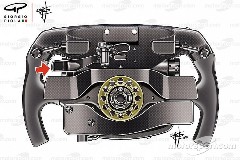 Analisi Ferrari: il volante di Vettel ha un terzo paddle misterioso!