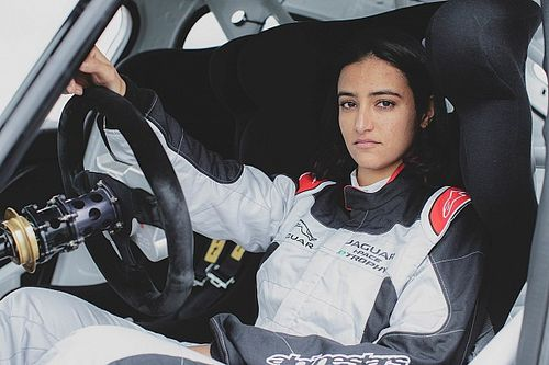 Reema Juffali prima donna saudita a correre in Jaguar I-Pace