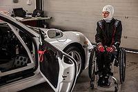 """Nathalie McGloin: Pessoas com deficiência estão """"fazendo coisas incríveis"""" no automobilismo"""