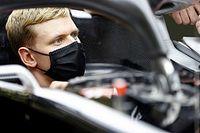 A Ferrari döntött, nem a Haas