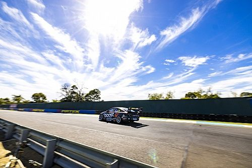 Drag race for Supercars in Darwin
