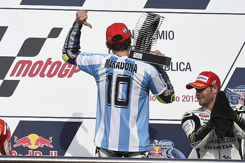 El mundo de los motores despide a Maradona