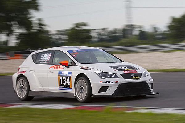 Ferry Monster Autosport trionfa alla 24h dello Slovakia Ring