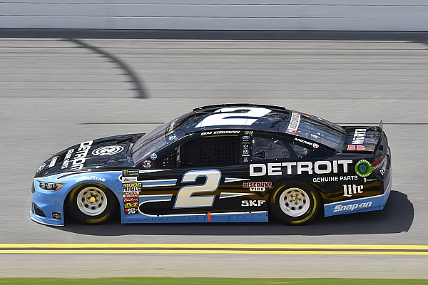 NASCAR Cup Keselowski gana la etapa 1 sobre Dale Earnhardt Jr.