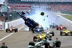 Formel 1 Fotostrecke Fotostrecke: Heftigste Startunfälle der Formel-1-Geschichte