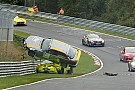 VLN Fotoreeks: Spectaculaire crash voor Matteo Cairoli in VLN