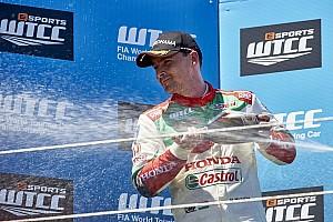 WTCC BRÉKING Kuplunghiba miatt ment el Michelisz rajtja