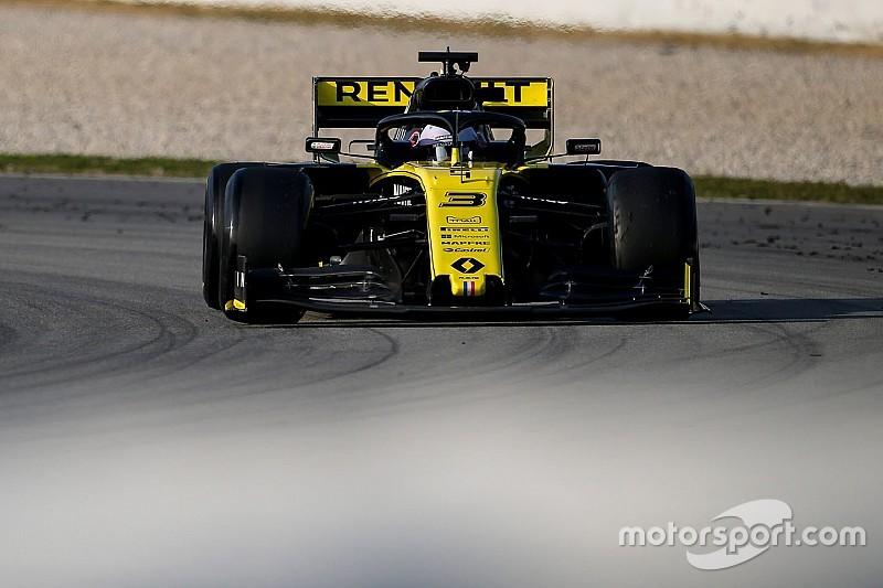 Renault pris dans la nasse du milieu de grille?