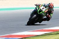 Portimao WSBK: Rea grabs pole, Redding crashes