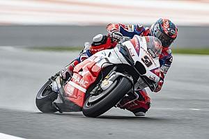 Valencia MotoGP: Petrucci tops FP3, Yamahas to Q1