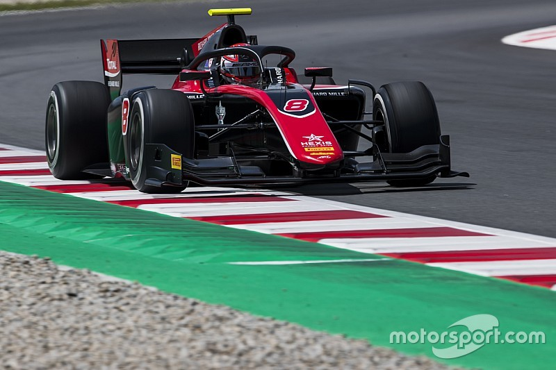 Barcelona F2: Russell holds off de Vries in damp race