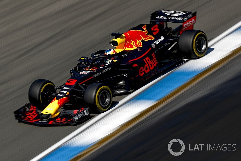 Red Bull frustrated by Renault's Ricciardo engine decision