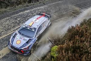 WRC Prova speciale Gran Bretagna, PS20: Mikkelsen vince e supera Latvala. Ogier respira