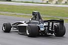 La nouvelle monoplace de Formula 5000 a pris la piste