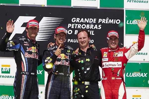 Retro: Meglepetés pole és kettős Red Bull-győzelem Brazíliában, de Alonsónál maradt az előny