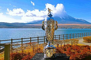 """IndyCar Breaking news Sato hails """"amazing"""" trip to Japan with Borg-Warner Trophy"""