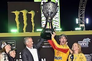 Logano brilha em Homestead e se torna campeão da NASCAR