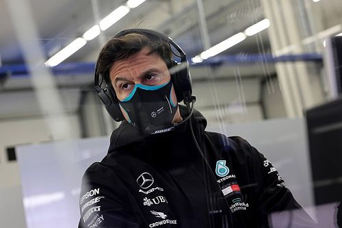 """Wolff warns of """"fuel and oil war"""" with new F1 engines"""