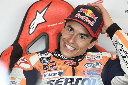 """Collega's reageren op terugkeer Marquez: """"Zijn lach deed me goed"""""""