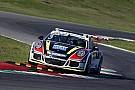 Carrera Cup Italia Carrera Cup Italia, Mugello: Pellegrinelli emerge dal caos di gara 2