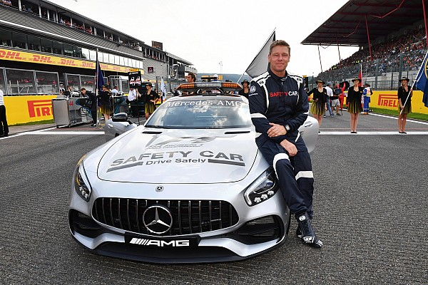 Formula 1 Special feature Pekerjaan saya di F1: Pengemudi Safety Car FIA
