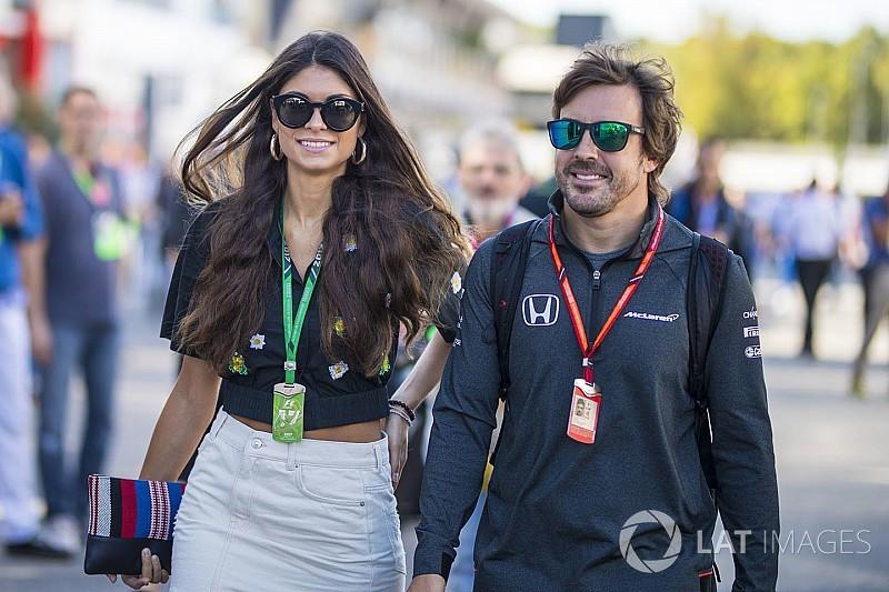"""Alonso barátnője """"amúgy is elégedetlen"""""""