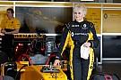 Automotive VIDEO: mujer de 79 años manejó un F1 de Renault