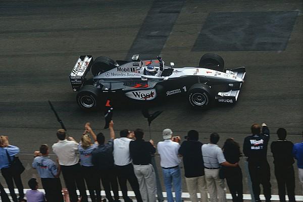 Ezen a napon: Häkkinen nyer Mogyoródon, és nem engedi meglógni Irvine-t
