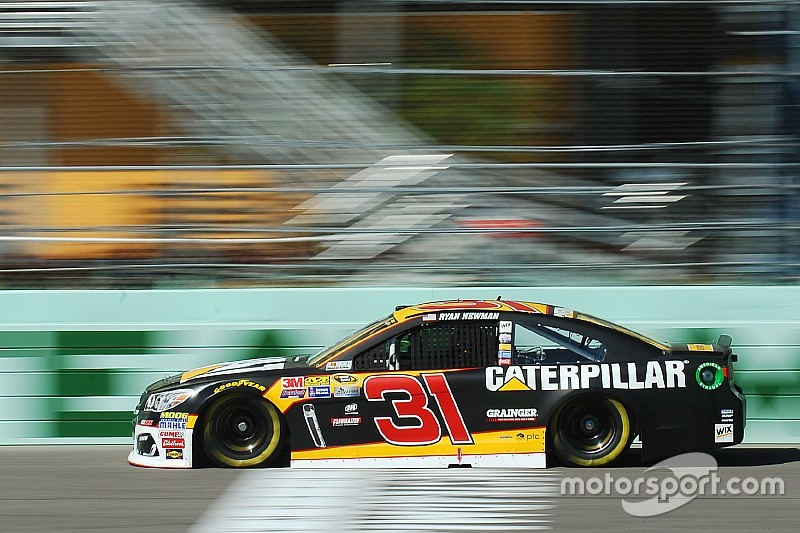 Newman leads trio of non-Chasers in first Cup practice