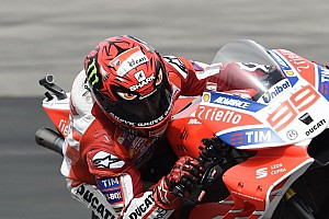 MotoGP Fotostrecke Bildergalerie: Helmdesign