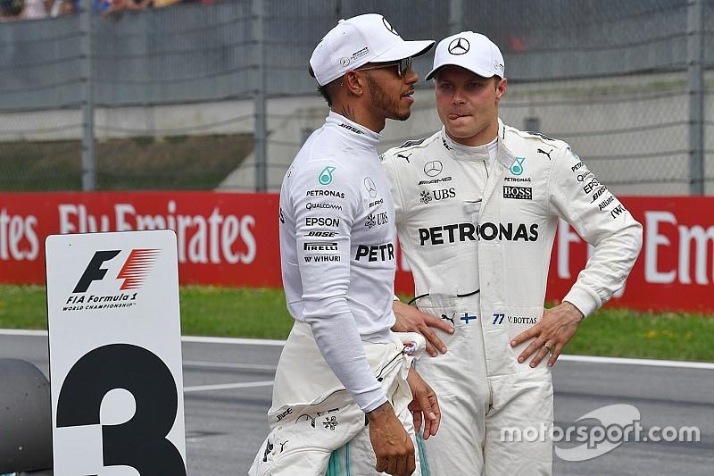 Hamilton, Mercedes'e duble getirmek istiyor