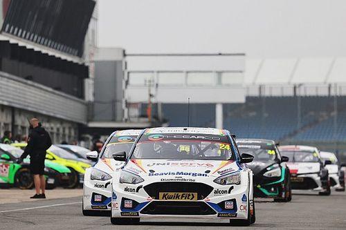 BTCC Silverstone: Hill passes Lloyd to win Silverstone finale