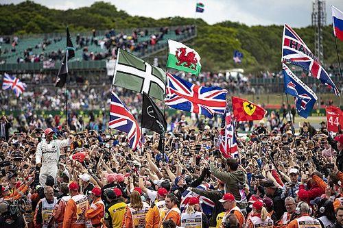 Власти разрешили пустить зрителей на Гран При Великобритании